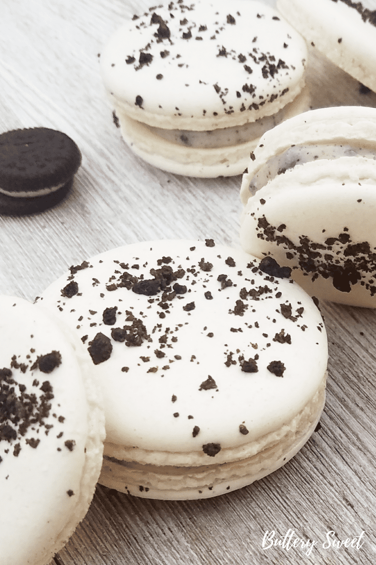 Cookies and Cream Macarons