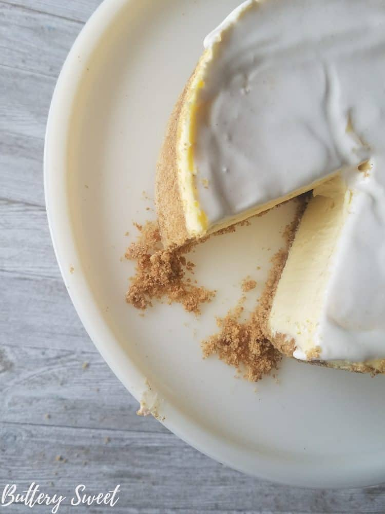 sliced cheesecake on white plate