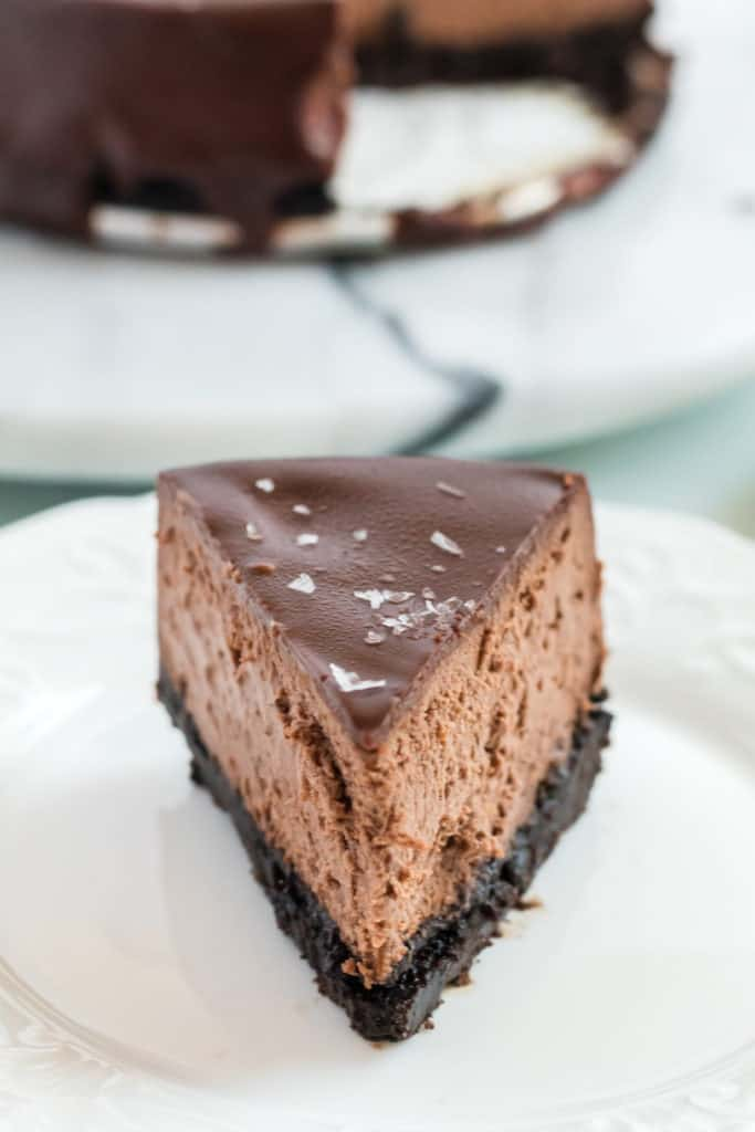 Instant Pot Triple Chocolate Cheesecake | This Instant Pot Triple Chocolate Cheesecake is SO easy it is crazy. Since I come up with this recipe I haven't baked a cheesecake the traditional way. This recipe has the best texture and is just so yummy.
