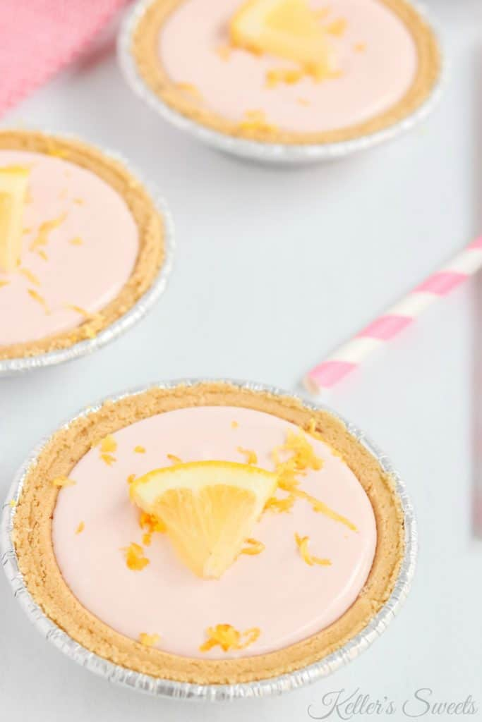 Pink Lemonade Mini Pies| These Pink Lemonade Mini Pies are possibly the cutest things I have ever seen. Besides that, they are the easiest things I have ever made!| https://butterysweet.com/blog/pink-lemonade-mini-pies